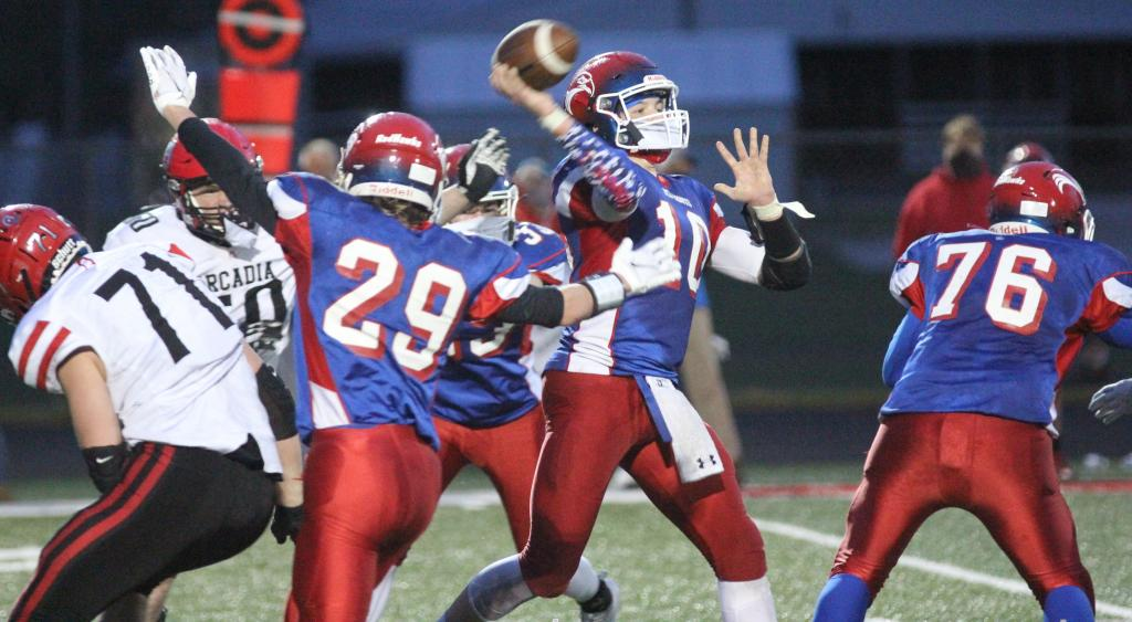 The first meeting between Gale-Ettrick-Trempealeau and Arcadia on the gridiron since Sept. 28, 2018 went down to the wire on Friday.